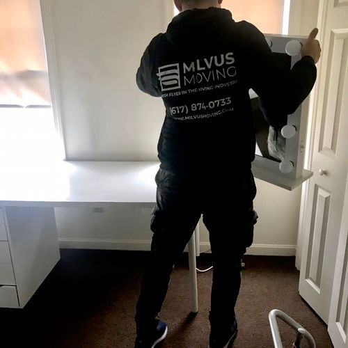 Moving company in Boston! Give us a call for the free, no obligation quote! High flyer in the moving industry - Milvus Moving!
