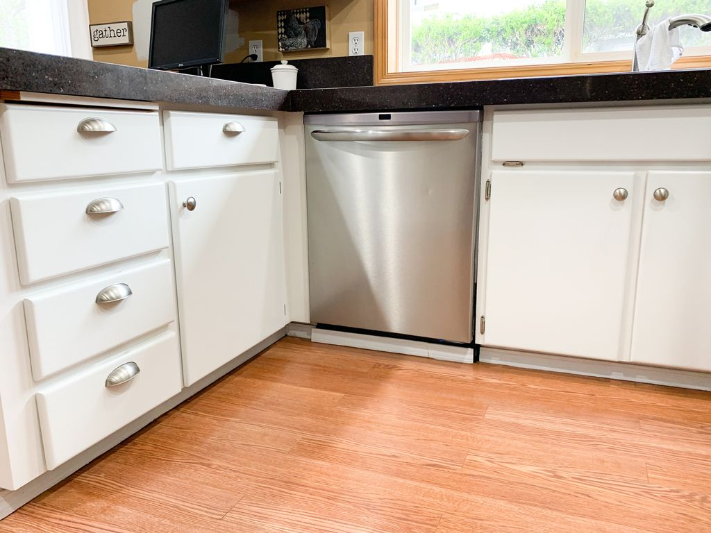 Kitchen Cabinet Painting - White