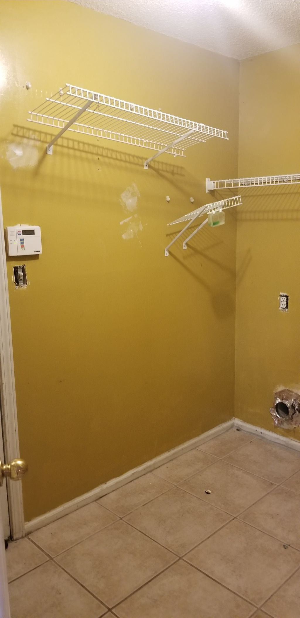 4BR-3BA-Interior Painting FULL WALL SPACE COVERAGE