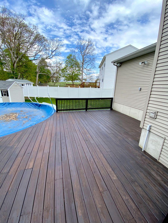 Deck Sanding, Staining & Sealing
