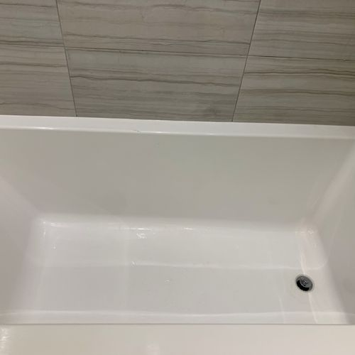 Present Bath Tub Cleaning