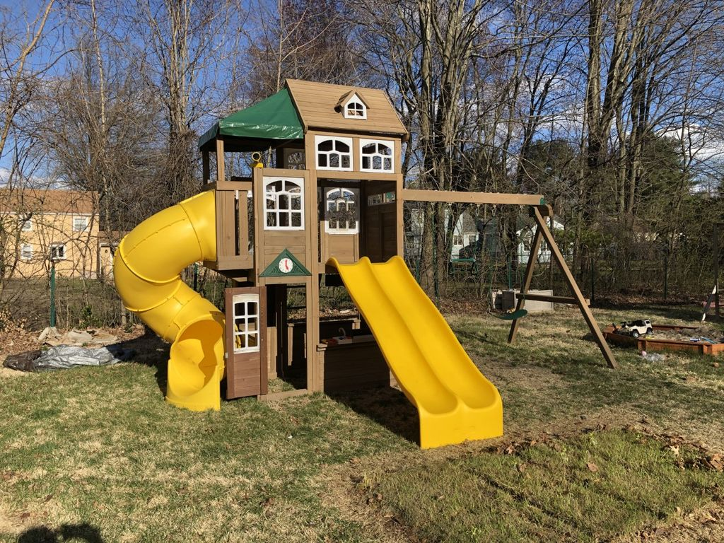 Cedar Summit Lookout Lodge by KidKraft Play Set