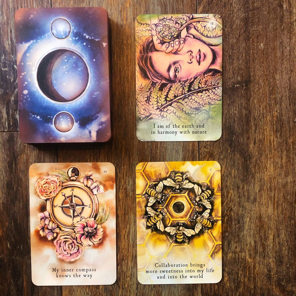 The Moon Oracle and Tarot Reading