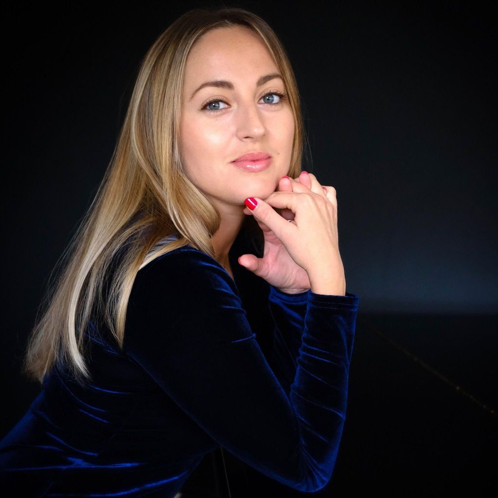 ONLINE PIANO LESSONS with Dr. Maria Lyapkova