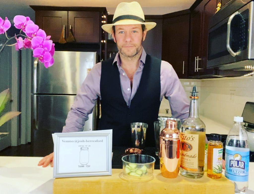 Virtual cocktail class