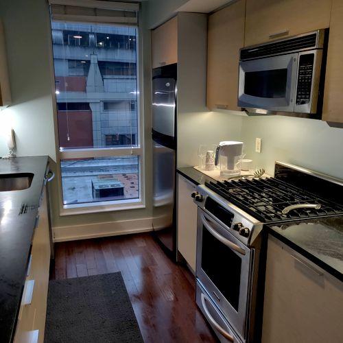 Spotless Manhattan 2 bedroom kitchen
