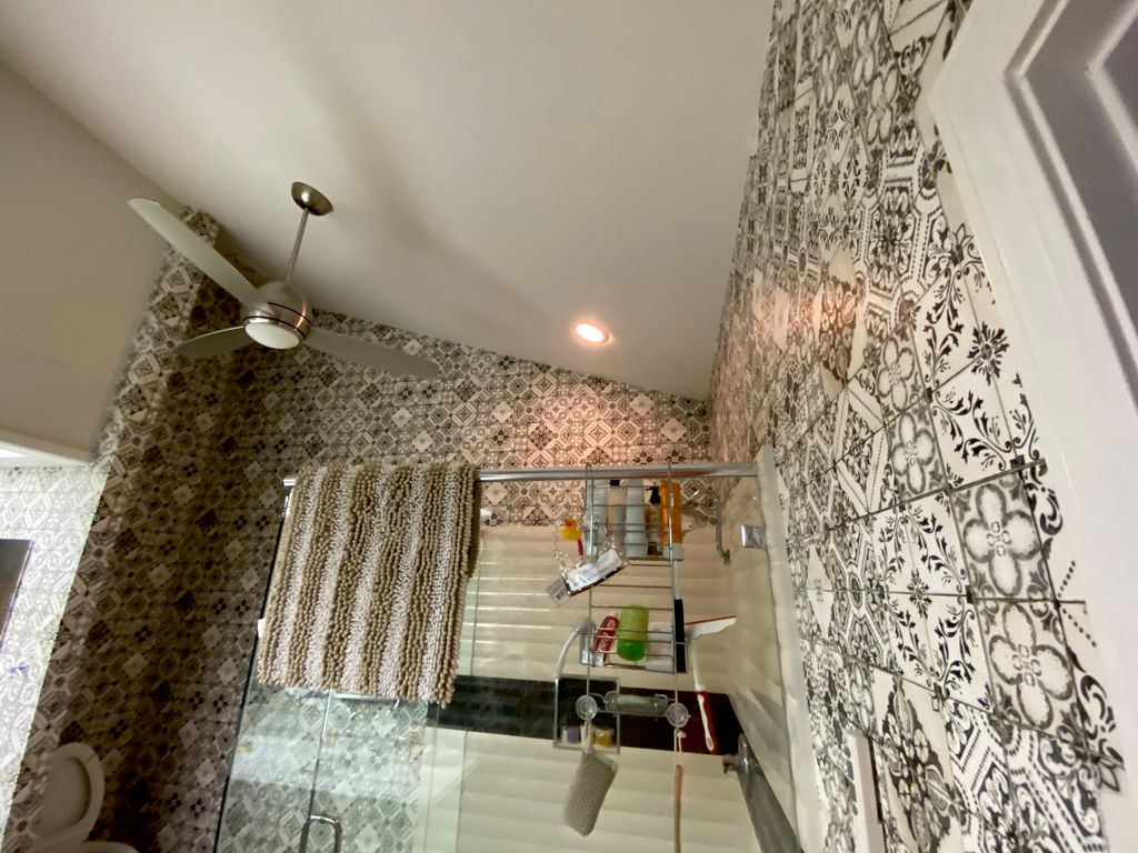 Jackie A wallpaper Installation - Palm Desert 2020