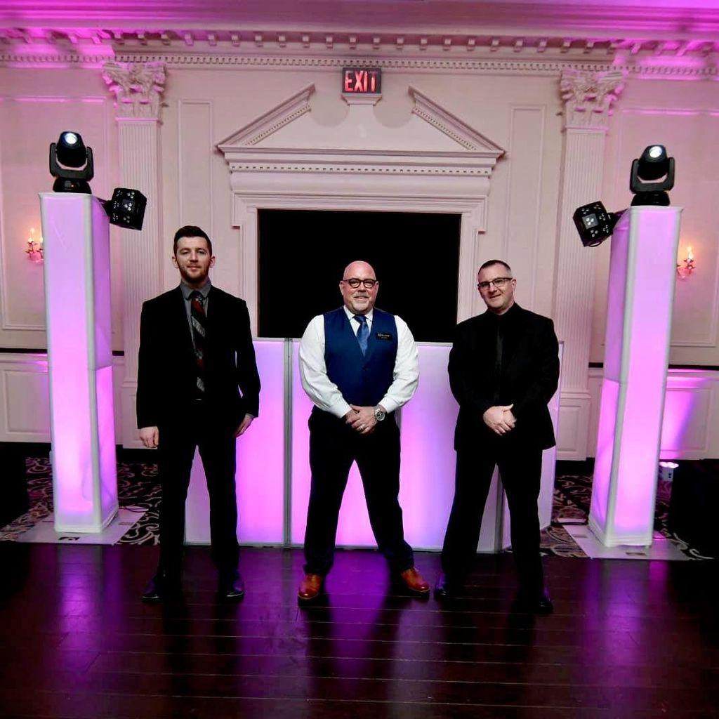 Tres Chic DJs