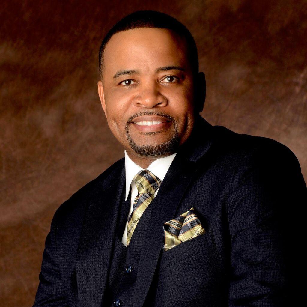 Rev. Kenneth Smith (Wedding Officiant)