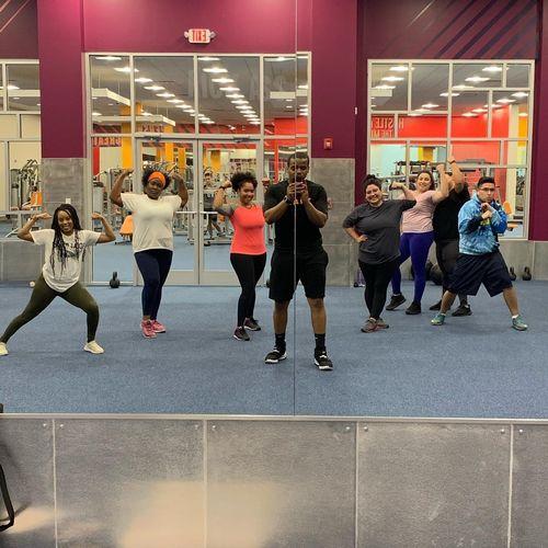 Crunch Fitness HIIT Class