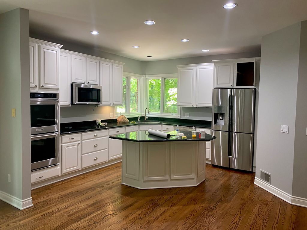 Kitchen Cabinets & Great Room