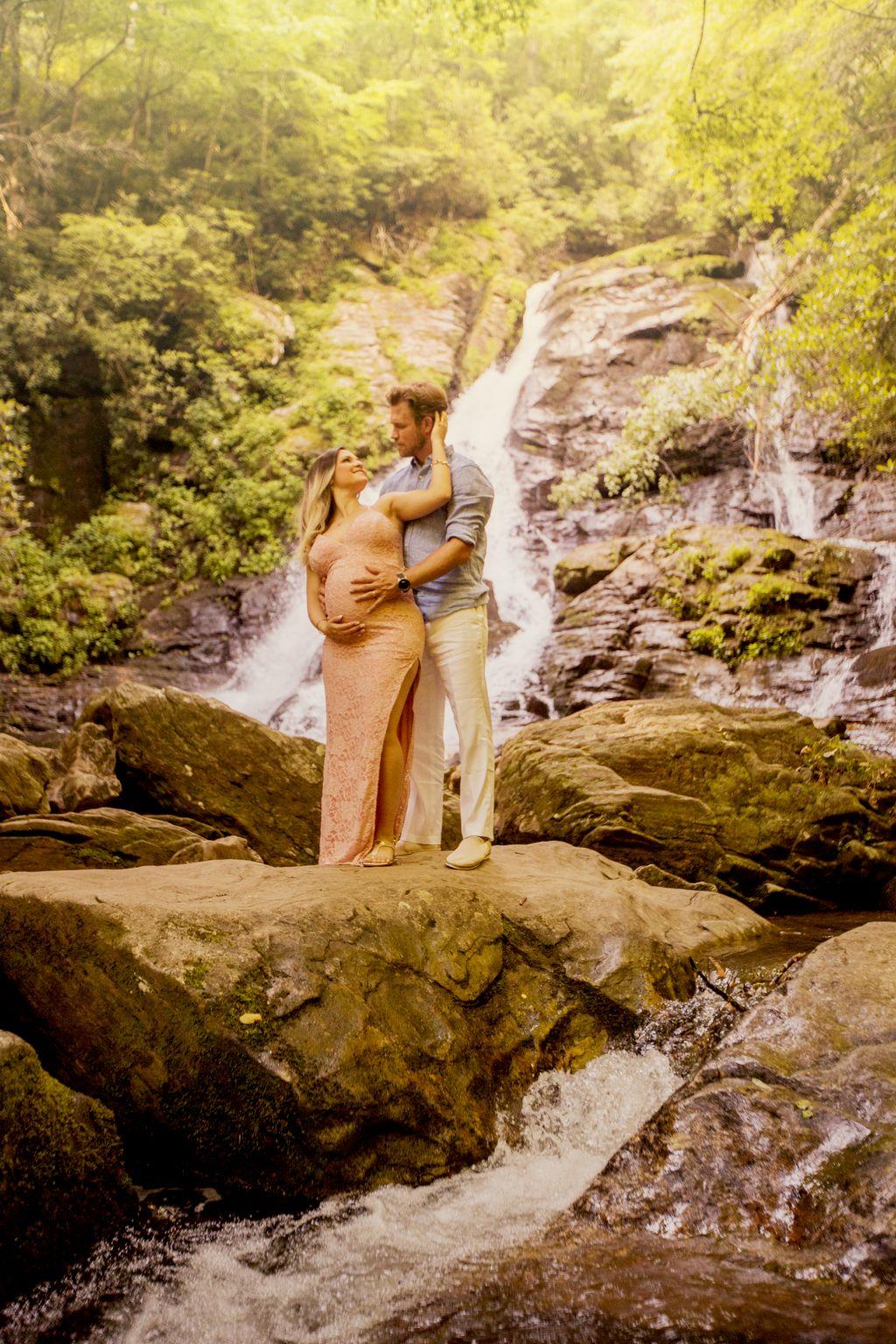 Waterfall Maternity Shoot