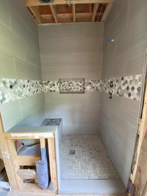 Walk-in shower 4x5x9