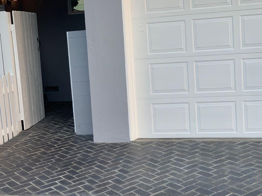 Herringbone bricks installation