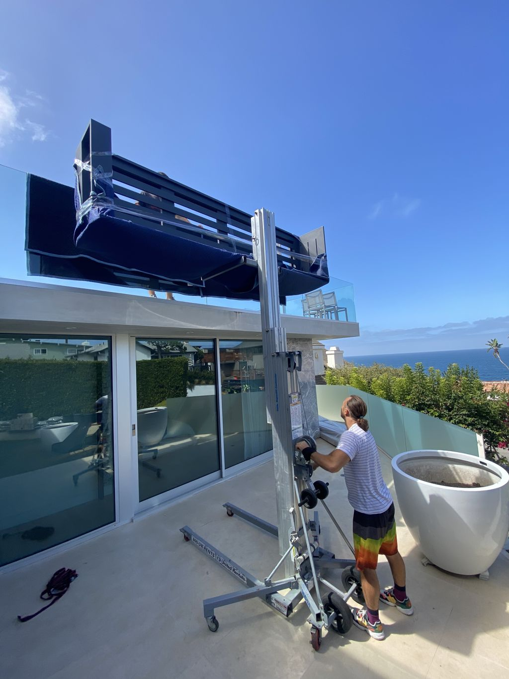 200lbs Couch Lift to the 2nd Floor Terrace in Laguna Beach