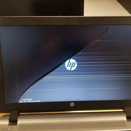 HP Laptop With Broken Screen