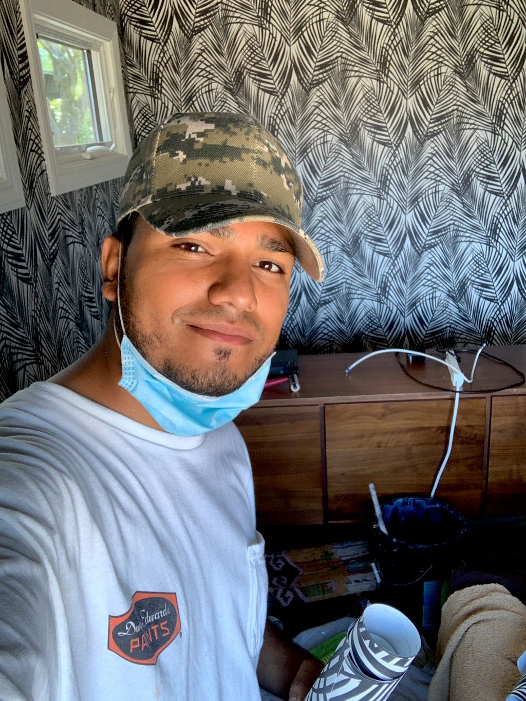 Leo & Luis Wallpaper & Renovation