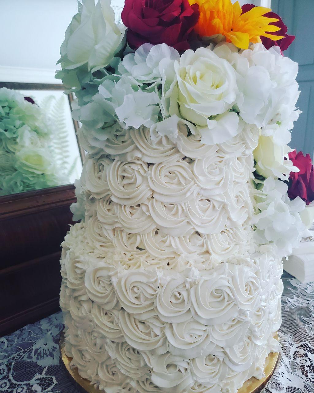2 tier Wedding Cake Rosettes