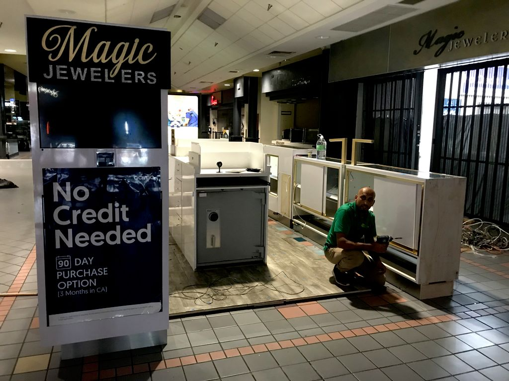 Kiosk Mall Move