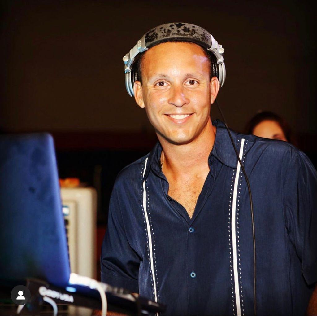 -Entertainment By- DJ Esteban Perez