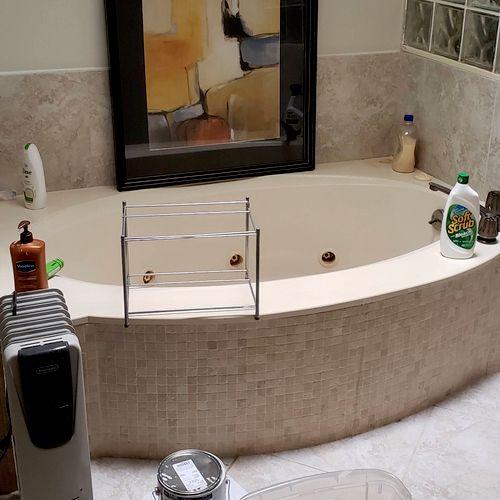 Jacuzzi Tub Before