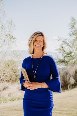 Avatar for Eileen Lynch Wedding Officiant