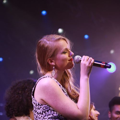 Performing with Lionel Richie