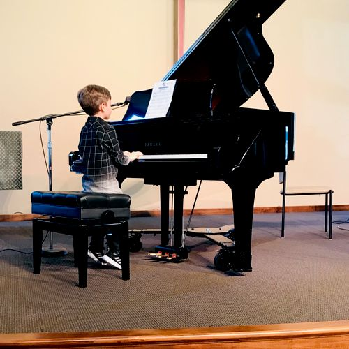 Young piano students are SO fun!!