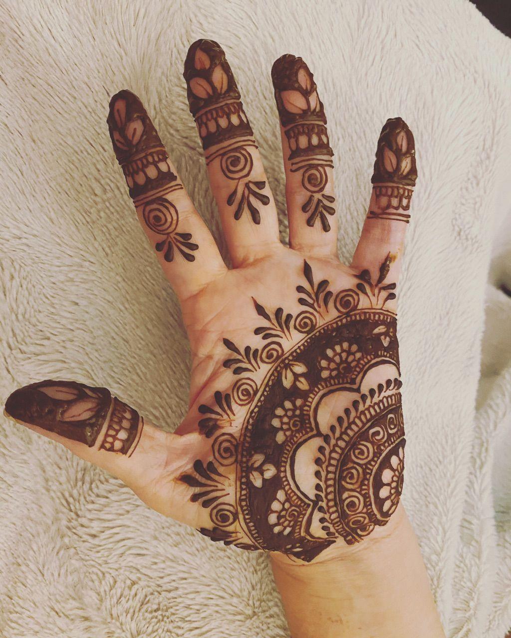 Khushbu Bridal Henna Artist