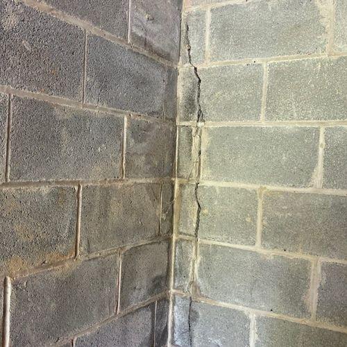 Vertical Crack in Foundation
