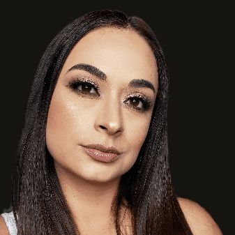 Caro Velez Makeup Artist