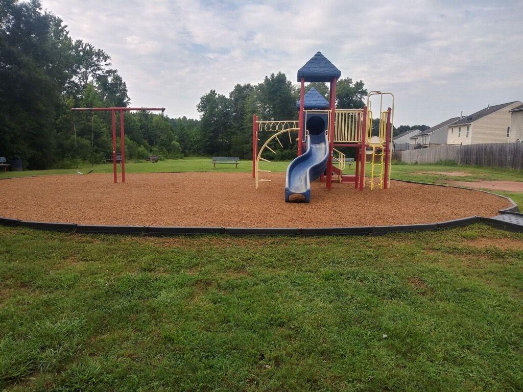 Playground Mulch Installation