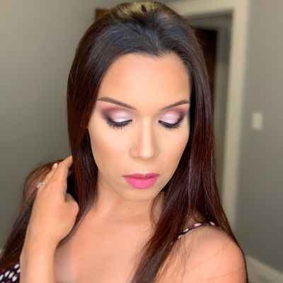 Avatar for Daniela Kolehouse Makeup Artist
