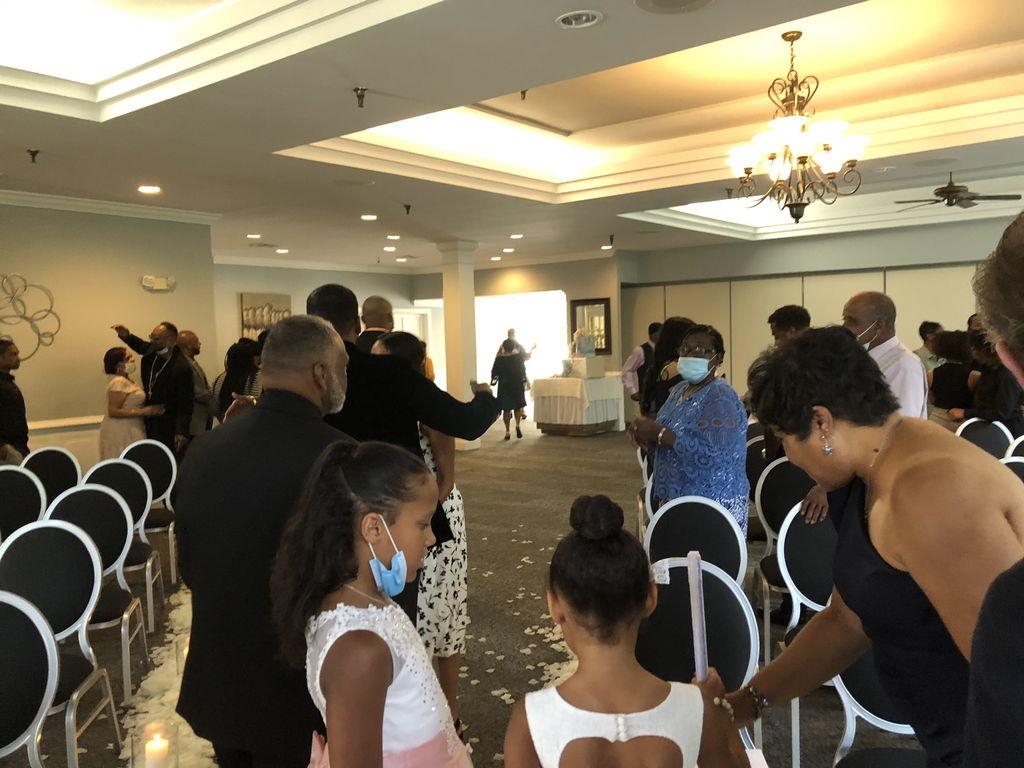 Short & Simple Ceremony Wedding