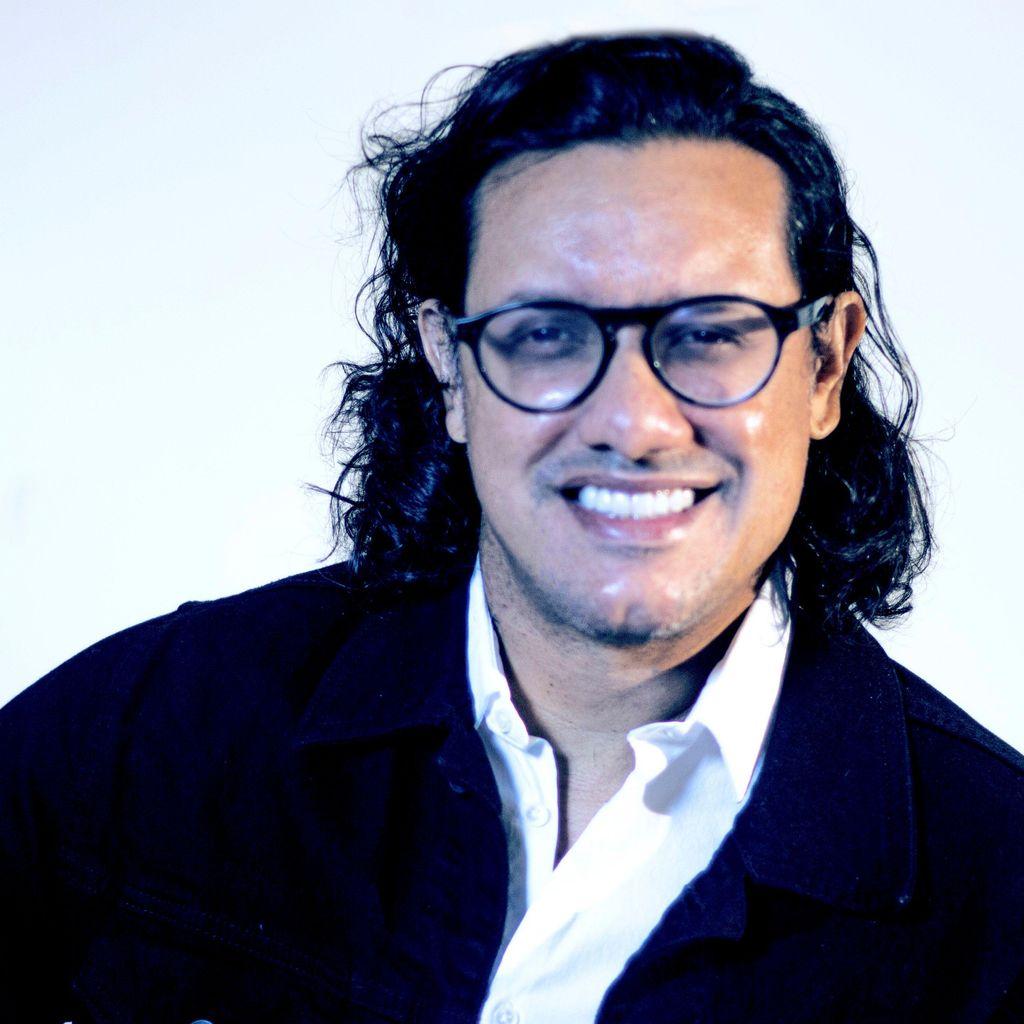 Enrique Ordonez, Photographer