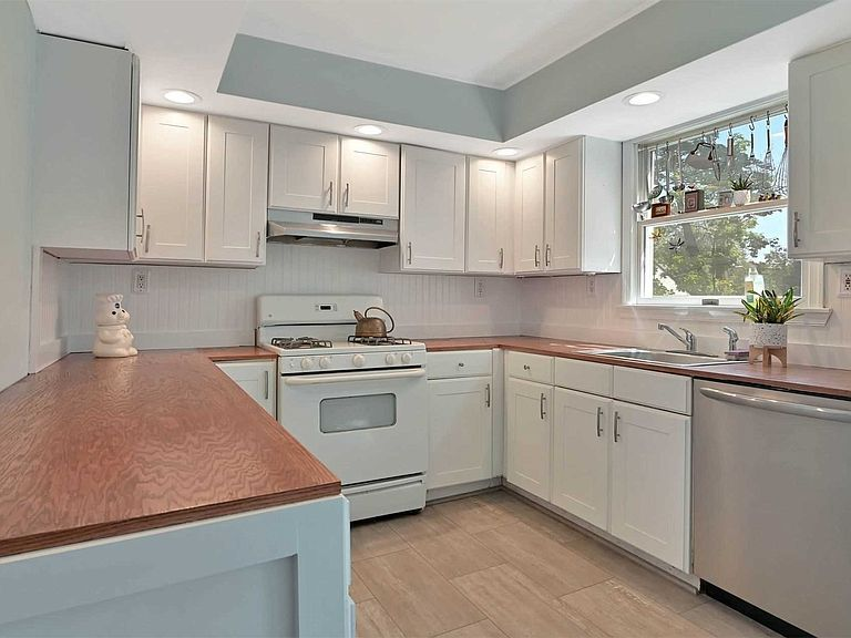 Refinished Kitchen & Built in Cabinets