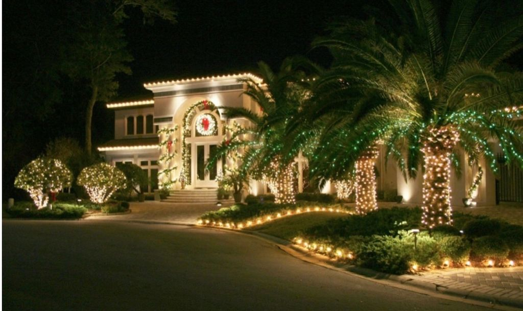 Picture Perfect Holiday Lighting