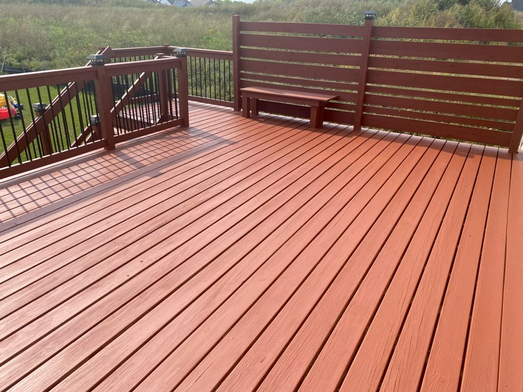 Deck Staining and Sealing - Albertville 2020