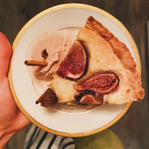 Honey fig Frangipane tart with homemade cinnamon ice cream