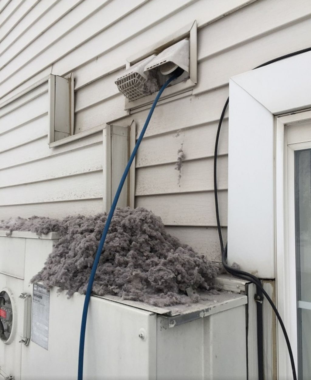 Cleaning of dryer vent