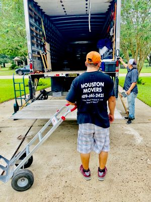 Avatar for HOUSTON MOVERS