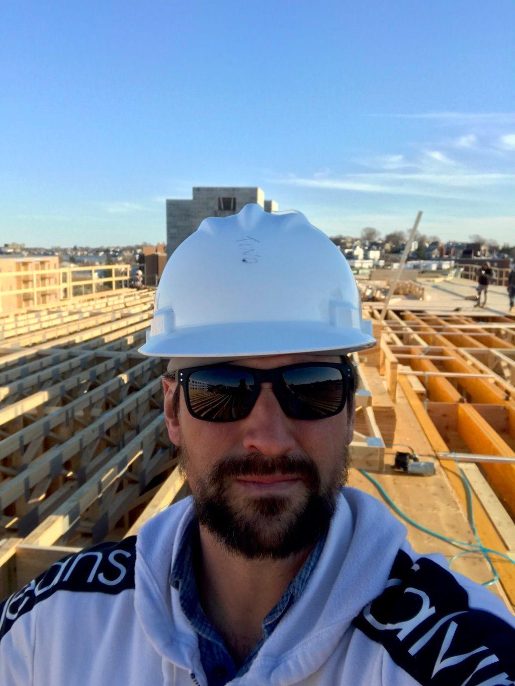 Constantino Moreira(Handyman,Carpenter,Furnitures)