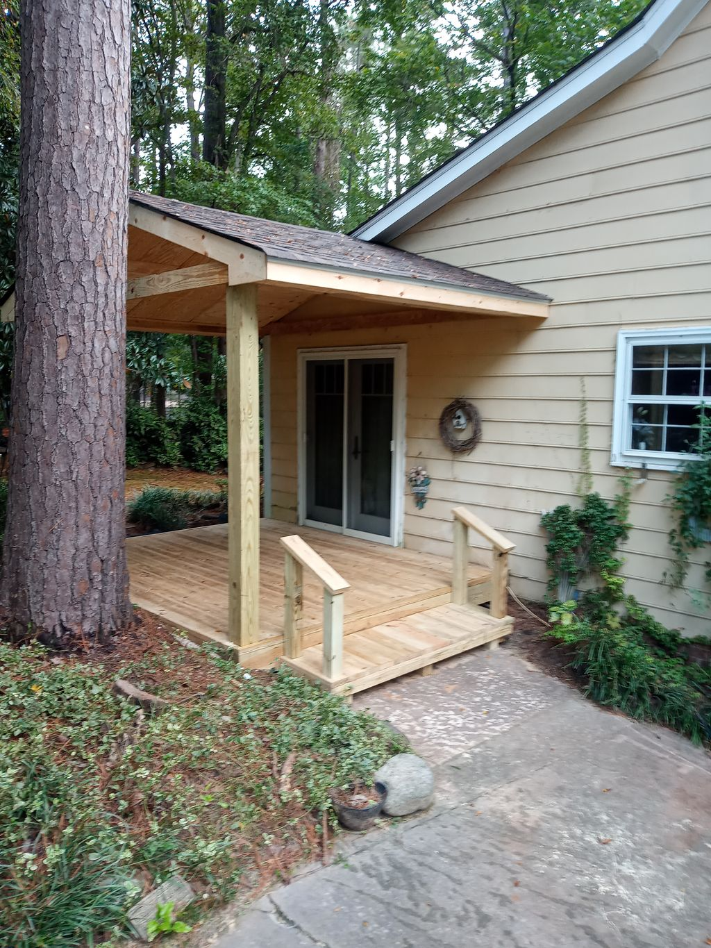 Deck with roof ext