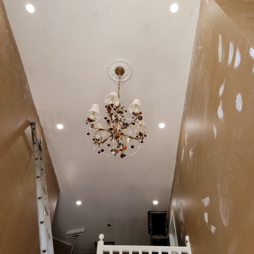 Recessed cans in Foyer