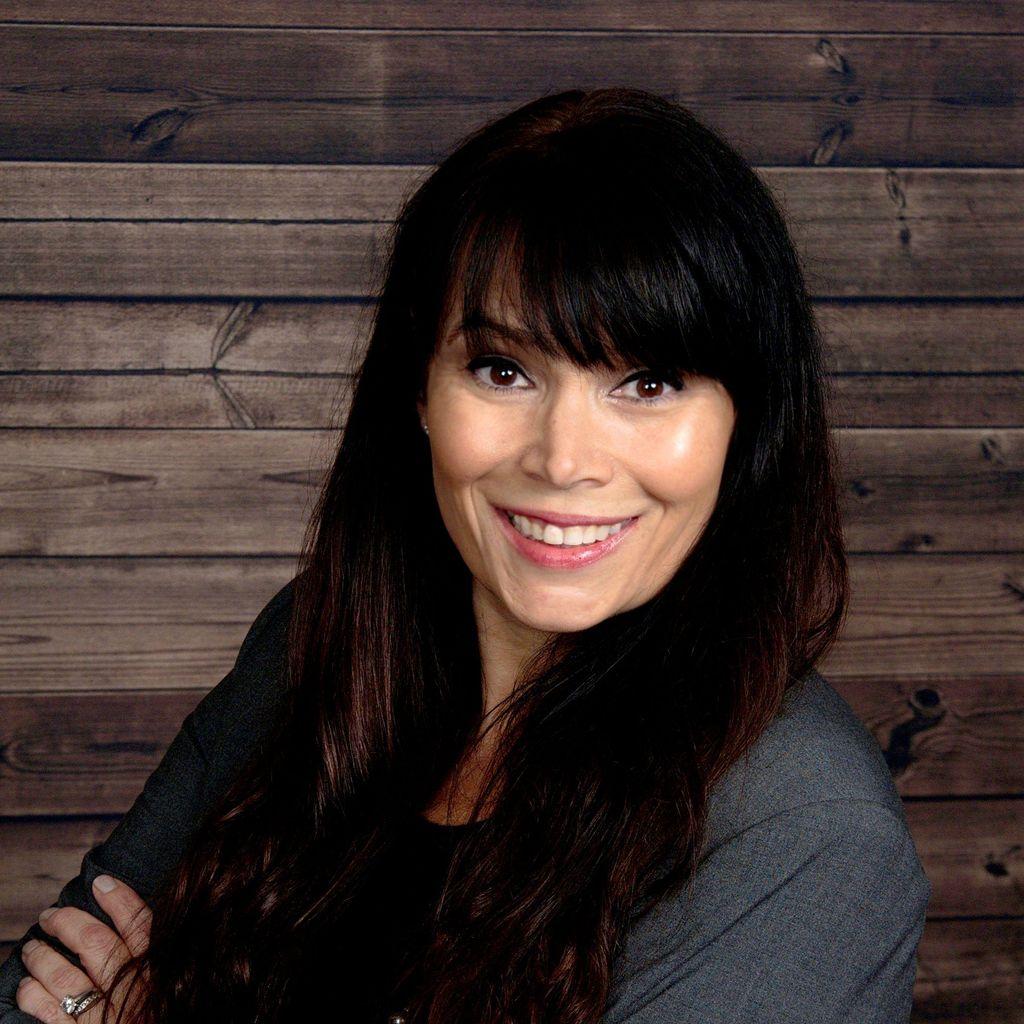 Loria Sheppeard - 1st Class Real Estate, Premier