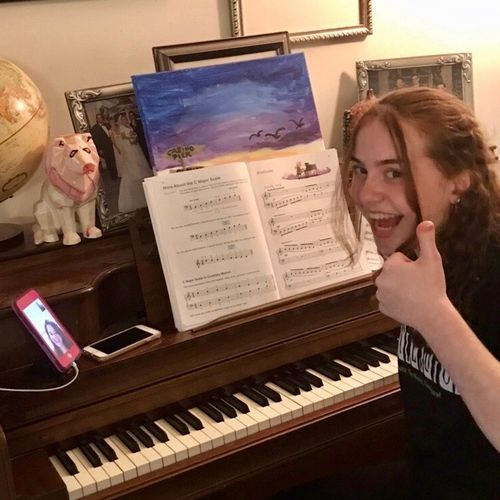 Student Amy during her virtual piano lesson