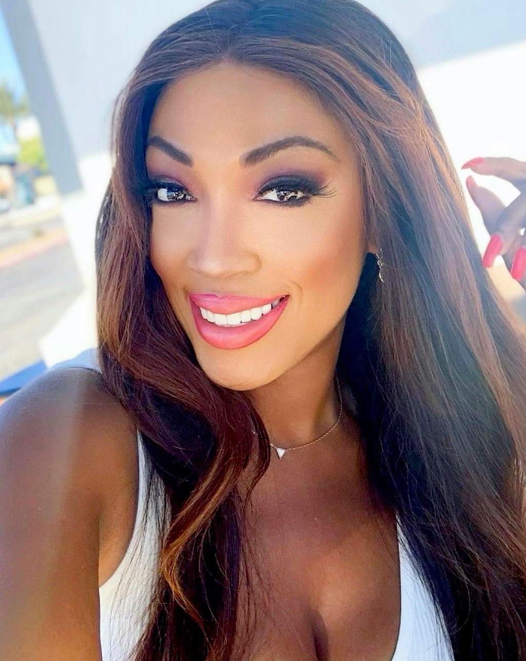 Shandra Stylez -Makeup Artist and more