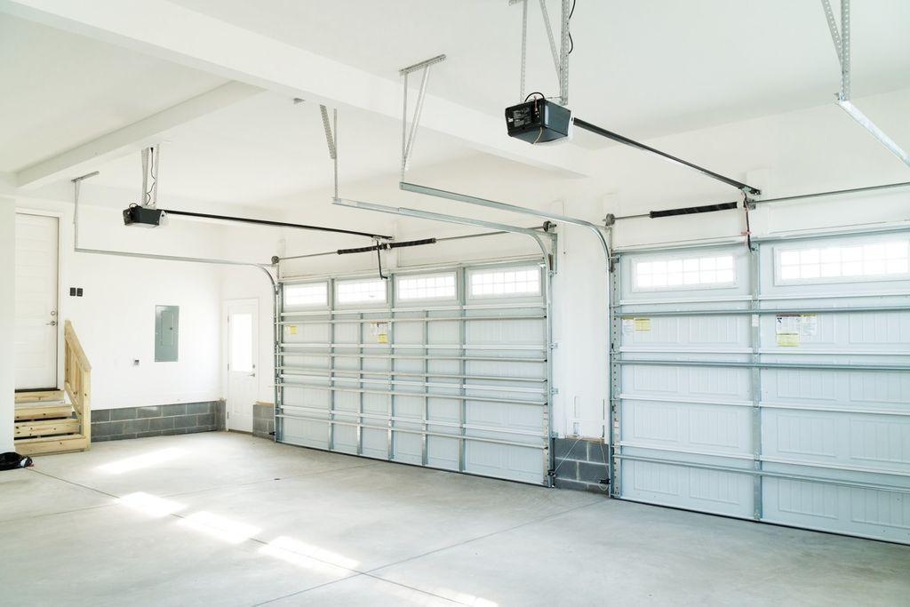 E&E Garage Doors