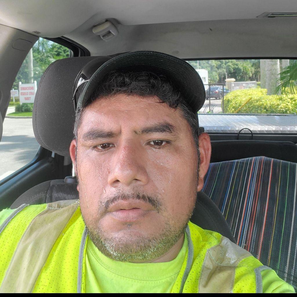Jose Cardenas lawn service
