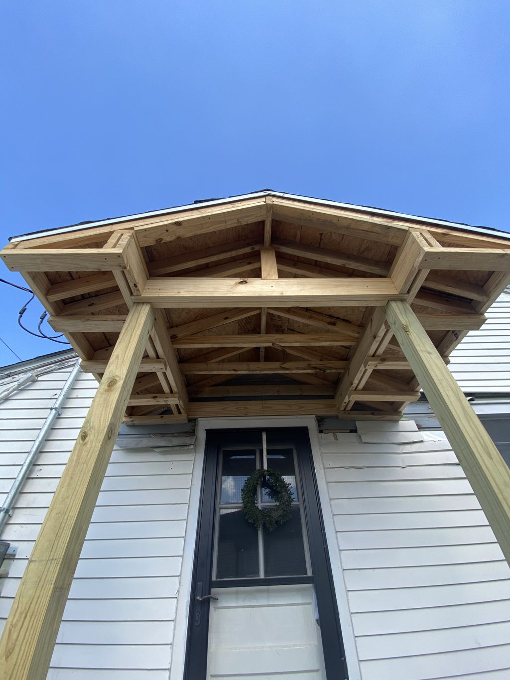 Side door roof awning